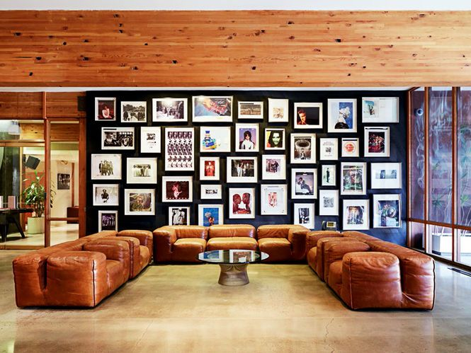 Sofá modular de couro Arquiteto: A. Quincy Jones Fotógrafo: Jason Schmidt Fonte: A. Quincy Jones Building for Better Living