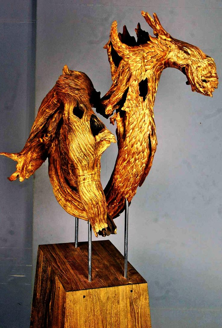Th comision was to make a dragon out off driftwood . . www.eposfurniture.com   contact us : eposjepara@yahoo.com   #epos #furniture #wood #woodcarving #woodworking #reclaimedwood #salvagedwood #oneofakind #customfurniture #epoxy #resin #led #woodporn #resinart #artresin #homedecor #homedesign #artwork #interiordesign #woodart #art #design #furnituredesign #mindblown #macro #handmade #treecycled