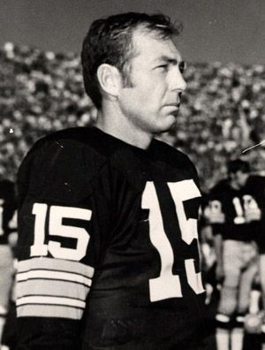 "Bryan Bartlett ""Bart"" Starr is a former professional American football player and coach. He wore #15 and he was the quarterback for the Green Bay Packers from 1956 to 1971, during which time he led the Packers to multiple NFL championships. Wikipedia Born: January 9, 1934 (age 79), Montgomery, AL"