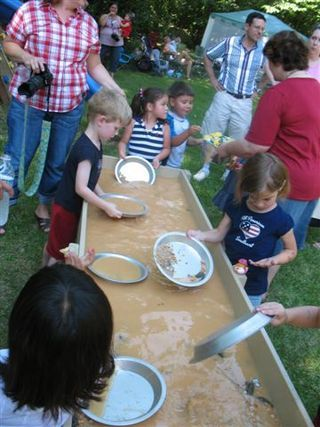 Wild West Party - Gold Panning Table