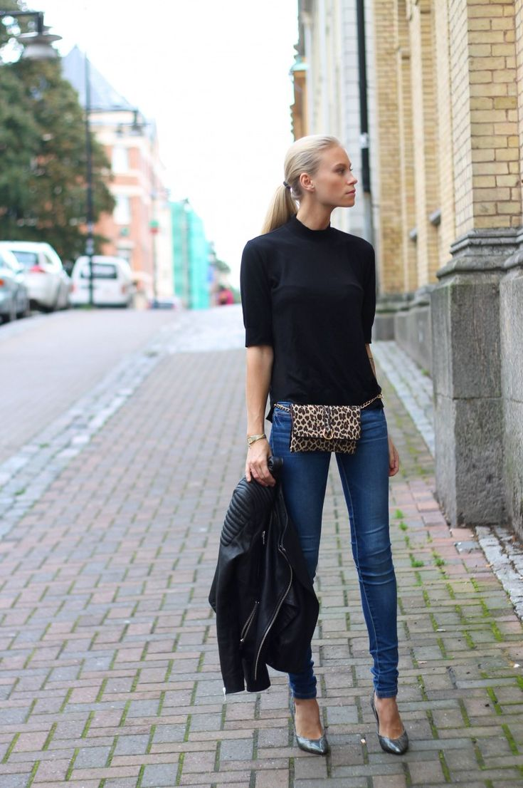 Tine keeping is classic in Stockholm. #TheFashionEaters
