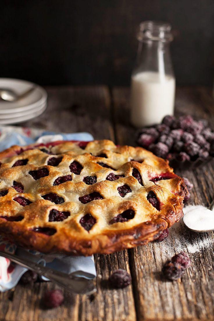 Easy Blackberry Pie via @contessa_cooks