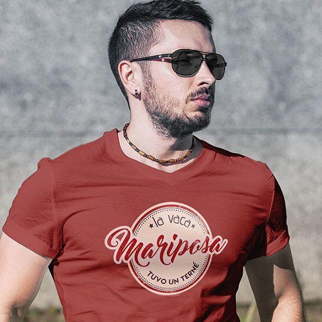 Cada día con Venezuela en el pecho ❤   Compra franelas, accesorios, franelillas, sweaters, y decoración del hogar con este diseño.    Franelas  - Venezuela - venezolana - Caracas - Avila - Tienda online - onlineshop - venezuelan - accesorios - venezolanos