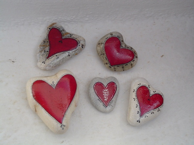 heart-painted stones Brings back memories long ago of my childhood friend and I at an art fair and seeing painted rocks....going home and trying our artistic abilities! <3
