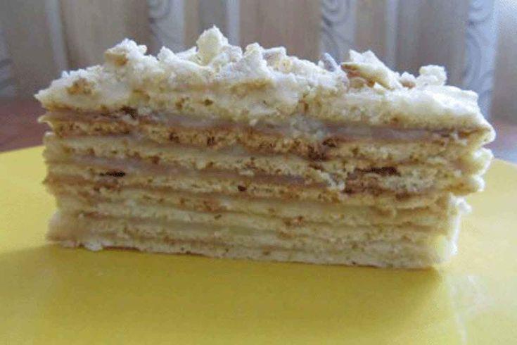 """Tortul """"Magic"""" nu în zadar are această denumire grandioasă. Acest tort este magnific, se prepară foarte rapid și blaturile nu se coc la cuptor, ci în tigaie, este super gustos, delicat și irezistibil. Este un tort perfect atunci când ai poftă de ceva dulce sau aștepți oaspeți. Tortul """"Magic"""" o să vă scoată din orice …"""