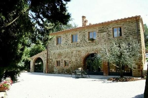 Fine restored old Barn in Tuscany, best situated, stunning view.