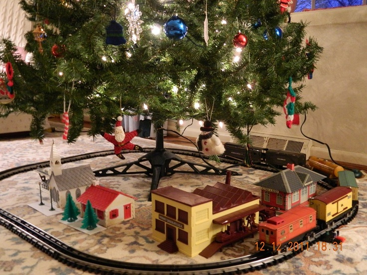 17 Best Images About Christmas Trains On Pinterest