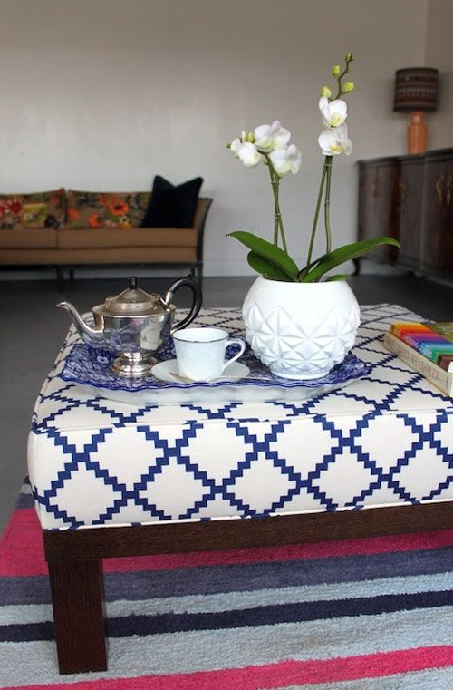 Make an Ottoman from coffee table from Design Sponge, LOVE: Coffee Tables, Diy Ottomans, Upholstery Basic, Design Sponge, Cushions, Memorial Tables, Fabrics, Boxes Ottomans, Diy Projects