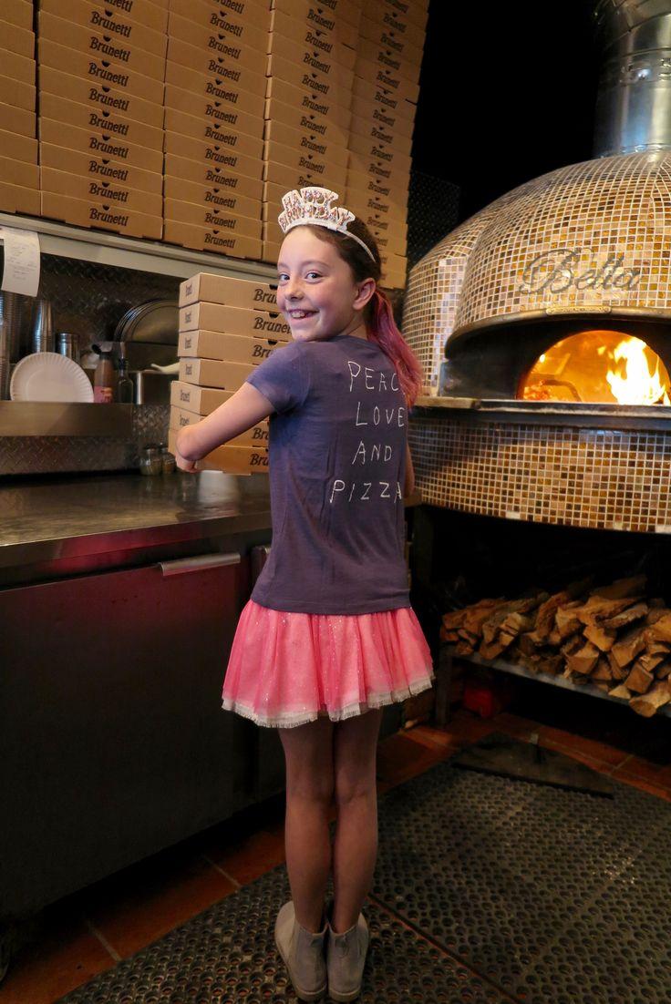 Le look #273 #Sequin #Pizza #Tshirt: @jcrew #Glinda #fairyskirt - Neon Pink : @ohbabystyle  #happybirthday #headband: @jcrew #Peace #Love and #Pizza: www.lesnominettes.com