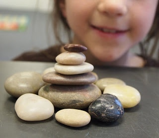 LOVE this lesson on inukshuks.  What great activities for the classroom!  new city arts: third grade rocks!