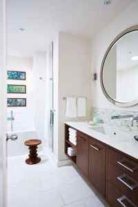 Sarah Richardson: See how to bring an aging bathroom into modern times - The Globe and Mail