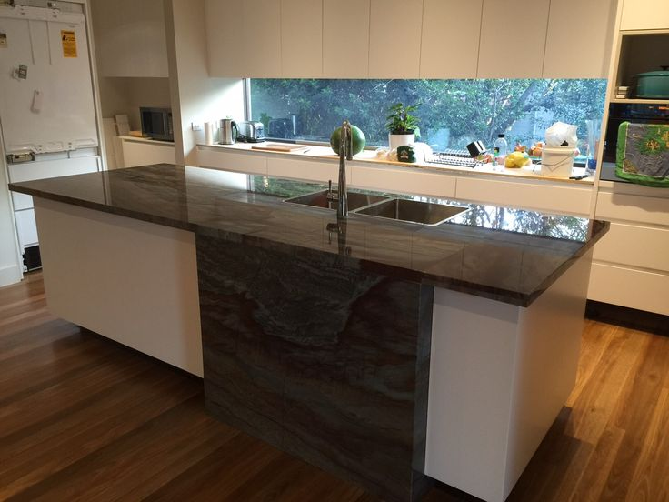 Granite Kitchen Carrara Marble & Granite Warehouse  www.carrara-marble.com.au Info@carrara-marble.com.au Instagram: Carraramarble   #marble #granite #stonesupplier #slabs # tiles #interiordesign #buildingmaterials #marblekitchen #granitekitchen #naturalstone