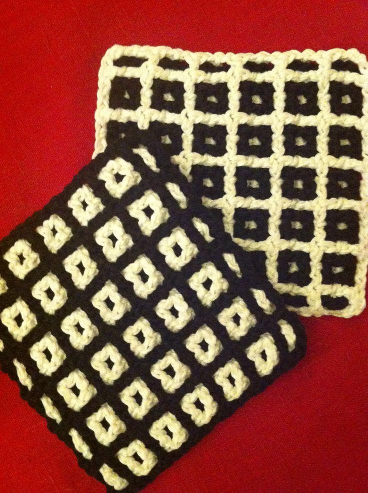 Potholders http://www.tejiendoperu.com/crochet/galer%C3%ADa-de-puntos-fantas%C3%ADa-8/