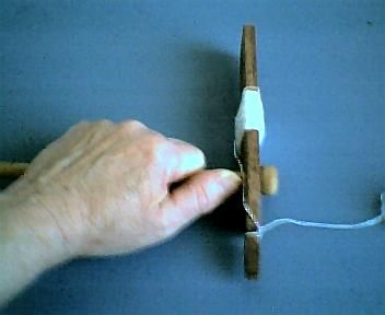 how to make and use a mayan spindle - this would be a great way to teach kids spinning!