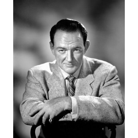 Trevor Howard Canvas Art - (16 x 20)