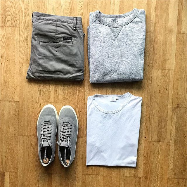 All about the neutrals! These @seavees are still some of my most comfortable shoes. #tngoutfitgrid  @uniqlousa sweater @allsaints trousers @sunspelclothing tee