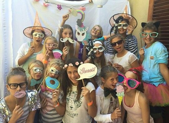 Party plans, ideas.  Cool selfies #selfies with friends #funny selfiew #cool selfies Follow #Helena Swart for more cool selfies cool ideas for a party