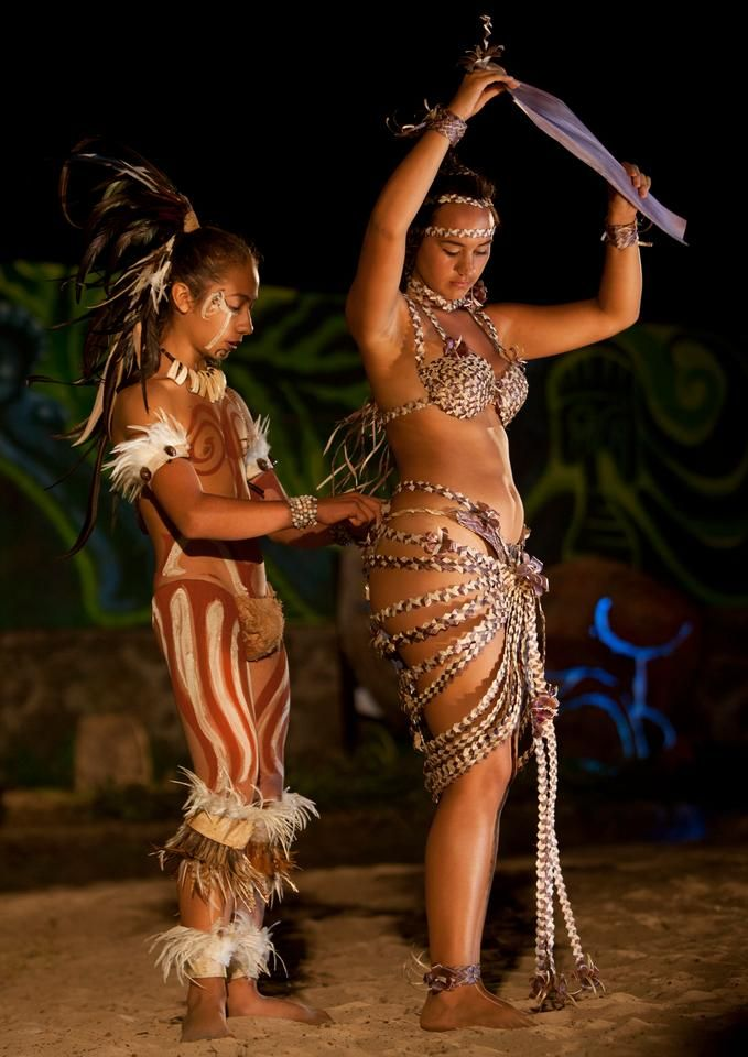 "Easter Island's Tapati festival - ""Cèline Bour"", photo: Eric Lafforgue via fotopedia.com"