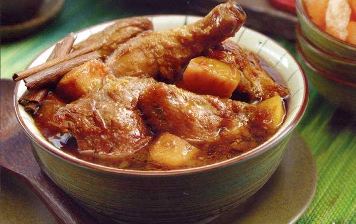Resep Semur Ayam Kentang Kecap –Pada kesempatan yang sangat berharga kali ini akan kita bagikan resep yang sangat mudah a