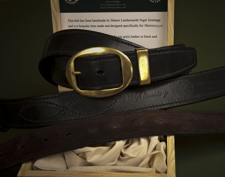 Another pigskin lined  hand stitched english bridle belt with a brass buckle and keep.