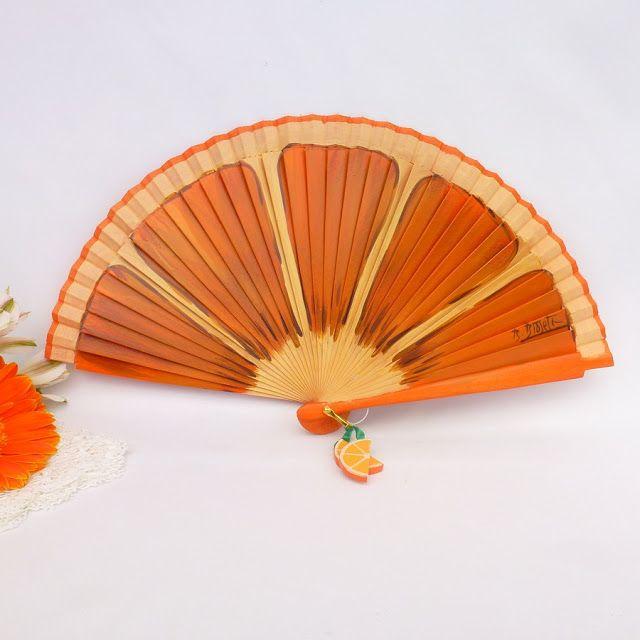 Abanicos de diseño para el verano/Summer time designer hand fans | Mundo Avenio