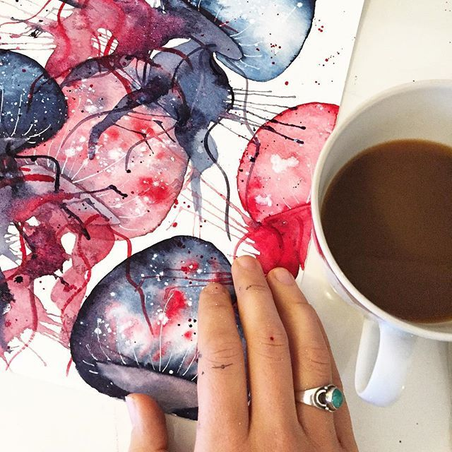 Yoga, fikse litt på bilder og drikke kaffe. Nydelig start på dagen⭐️// Do yoga, finishing up some paintings and drinking coffee. What a great way to start the day⭐️ #pictureoftheday #zen #jellyfish #jellyfishes #coffee #coffeelover #jewlery #aquarelle #aquarelledrawing #drawing #drawingoftheday #penandink #ink #zendoodle #yoga #watercolor #watercolorpainting #painting #paintingoftheday #art #hobby #relaxtime #goodmorning #instaart #diy #diyart #sea #fish #whale