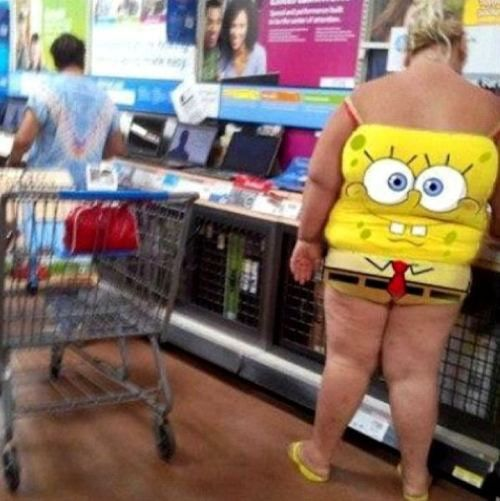 Please tell me these are flesh-colored leggings on Spongebob. YIKES!