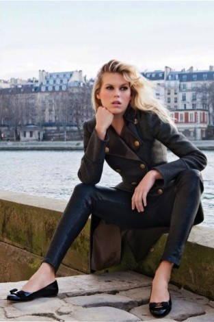 Alexandra Richards wearing Ferragamo flats in Paris