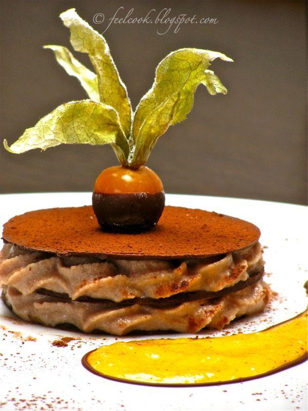 Millefoglie di cioccolato con mousse di castagne e salsa di cachi