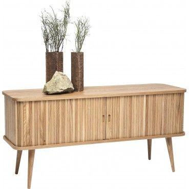 Un #meuble TV en #bois clair qui apporte un look chaleureux et cosy à votre #salon. Idéal pour les décorations contemporaines, classiques ou norvégiennes.  Meuble TV en bois Hollola Kare Design