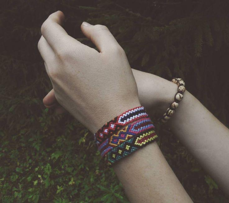 #boho #handmade #friendshipbracelet #friendshipbracelets #friendship #bracelets #bracelet #forest #hands