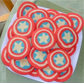 Dweeb. Read. Good.: Captain America Cookies