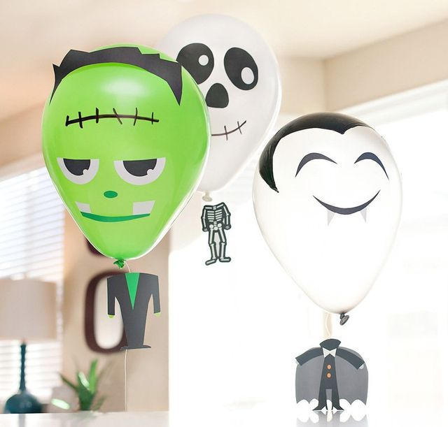 """DIY Halloween Balloons with """"Floating Heads"""" 