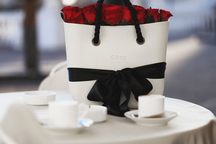 A O bag Mini with full of red roses is all I want for Valentine's Day.   #Obag #ObagMini