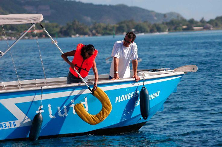 Dans l'enceinte du port de Papeete, nous faisons passer le permis bateau côtier, en cours du soir, avec une formation complète et poussée. Idéal à passer sur Tahiti à prix très intéressant :D