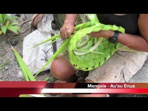 ▶ Cook Islands Holiday Guide - Mangaia Hat Weaving with Mama Tere - YouTube