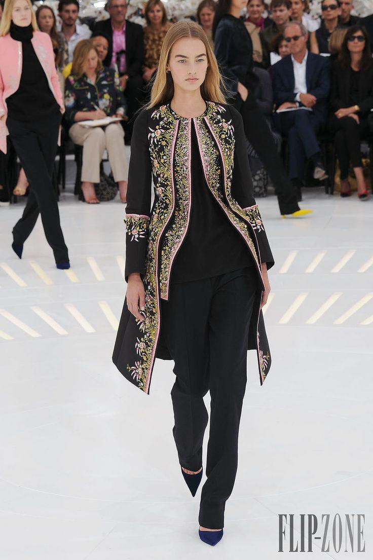 Christian Dior Otoño-Invierno 2014-2015 - Alta Costura - http://es.flip-zone.com/fashion/couture-1/fashion-houses/christian-dior-4797 - ©PixelFormula