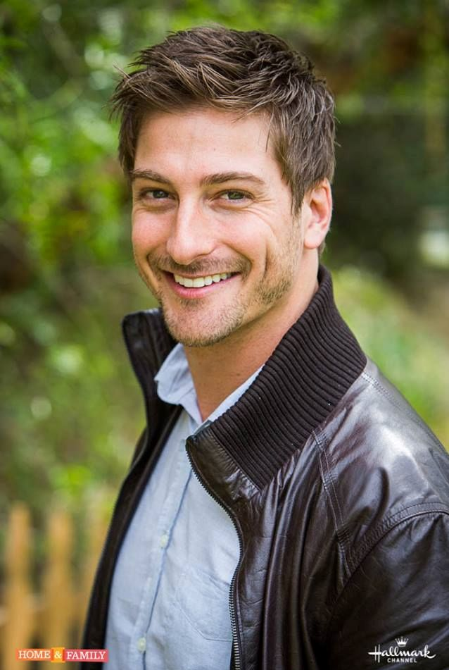 Daniel lissing eye candy