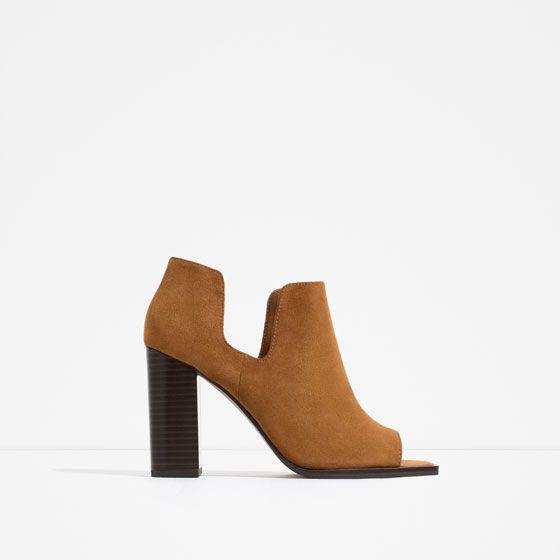 Descuentos en todo el calzado de moda de esta temporada. Encuentra zapatos  de mujer al mejor precio en ZARA online. 7c7233b93e