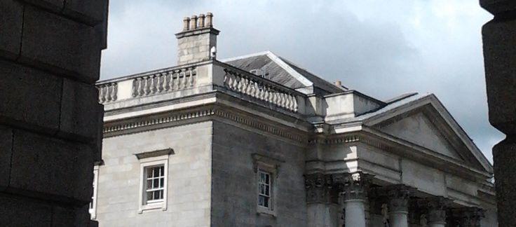 Dublino 100: attrazioni, Trinity College Per la nostra collezione #dublino100 uno dei luoghi di Dublino più rappresentativi: Trinity College.  http://italish.eu/news/dublino-100/dublino-100-attrazioni-trinity-college/
