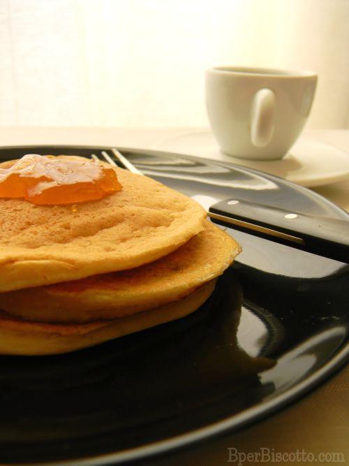 Pancake allo yogurt senza uova
