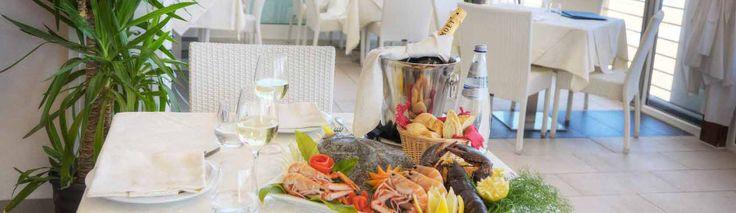 Il tuo soggiorno in mezza pensione sarà veramente speciale nel nostro rinomato ristorante  Cosa aspetti a prenotare?  Dal 7 #Settembre c'è una grande #offerta per te! Scoprila su http://www.ilconero-mare.it/it/offerte-residence-marche.html