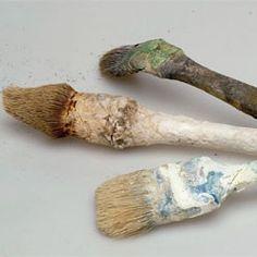Nettoyer un pinceau durci