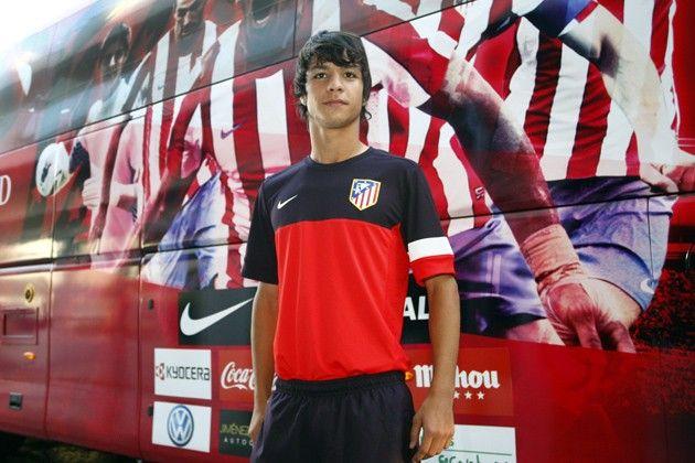 Atlético: Oliver Torres, el 'otro' niño Torres: http://www.elenganche.es/2012/08/atletico-oliver-torres-el-otro-nino-torres.html#