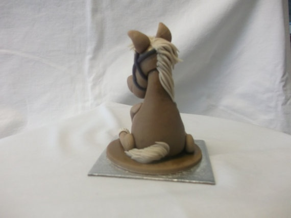 how to make a horse with fondant