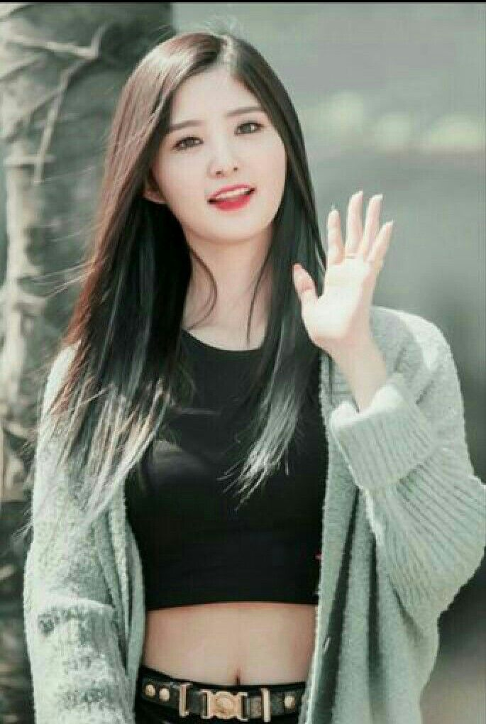 Pin By Zahraa Kpop On Exid Exid Junghwa Kpop Fashion Asian Outfits