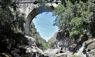 Ponte sobre o rio Paiva (Castro Daire - Portugal)
