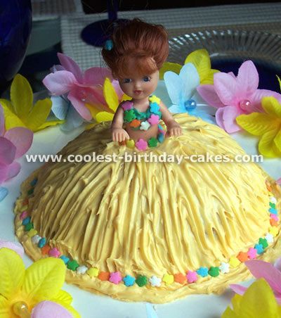 baby hula girl cake :)