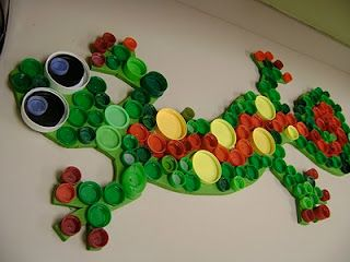 gecko made with plastic bottle caps