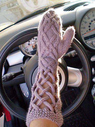 Ravelry: Window Pane Mittens pattern by April Reis